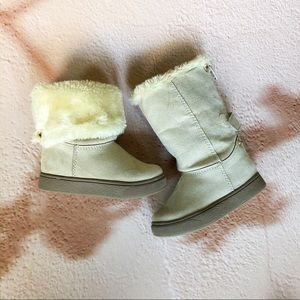 Cat&Jack baby girl boots; size 6; gently worn